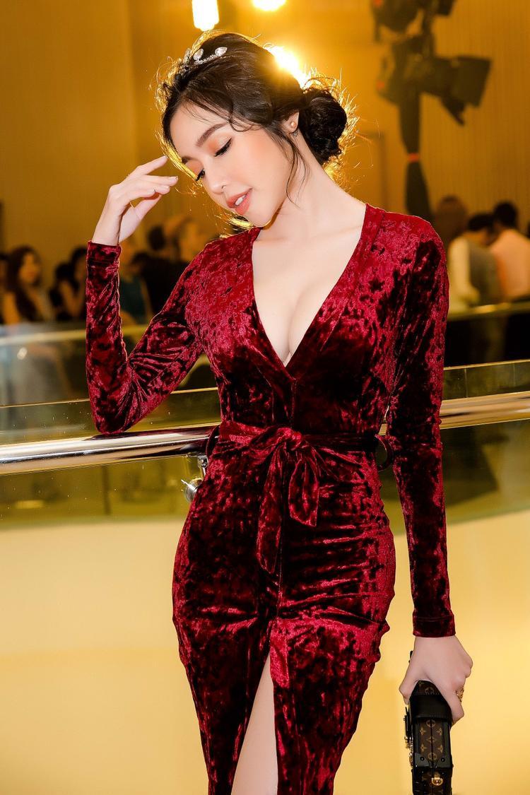 Elly Trần khoe nhan sắc ngày càng chín muồi tại sự kiện