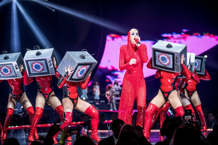 Chỉ một khoảnh khắc này thôi mà Katy Perry đã làm fan Việt Nam điêu đứng