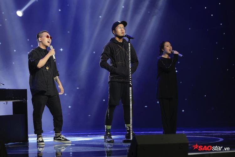 Ca ba làm khán giả thán phục khi mang đến một sân khấu hoàn mỹ về cả phần nghe lẫn phần nhìn.