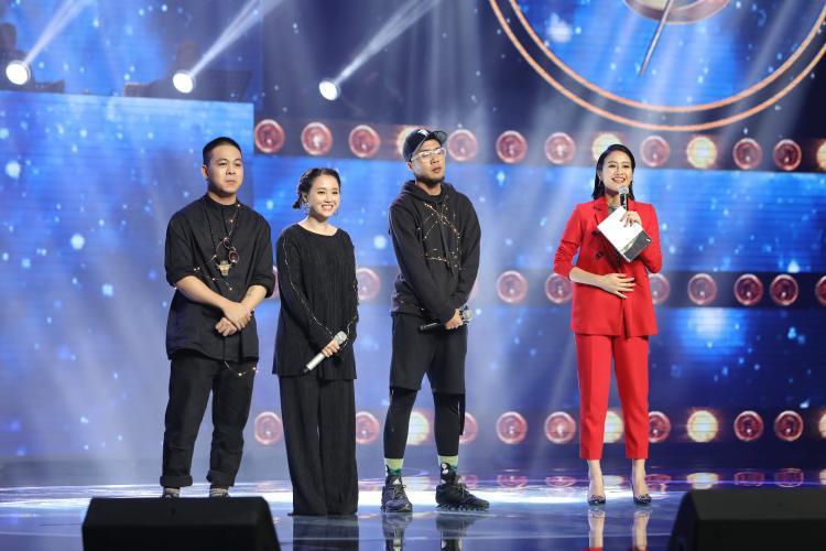 Như vậy, sau Andiez Nam Trương, Lộn xộn Band là nhóm nhạc thứ 2 dành được điểm tuyệt đối từ các giám khảo hội đồng tại trường quay.