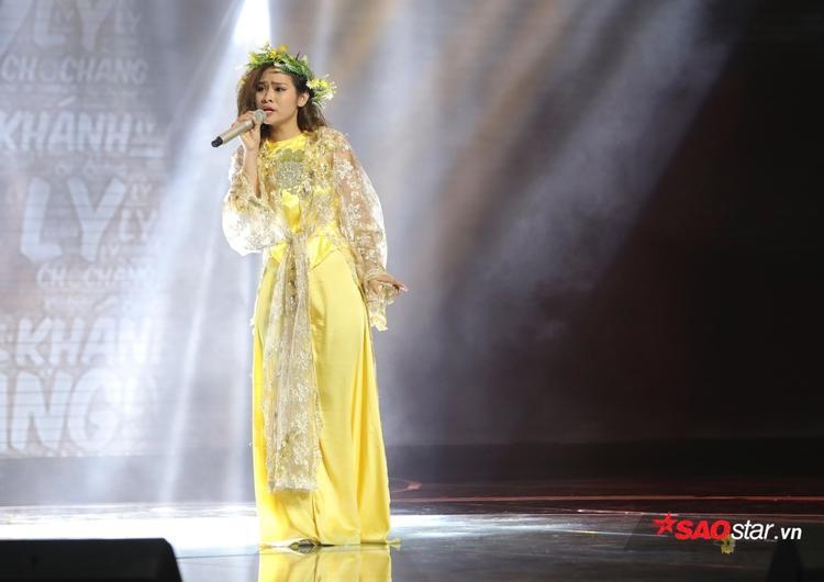 Súy Vân giúp Khanh Ly nhận được 17/21 từ hội đồng giám khảo và 3 điểm từ HLV Giáng Son.