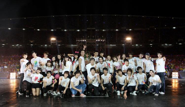 Đại gia đình quyền lực SM, YG…