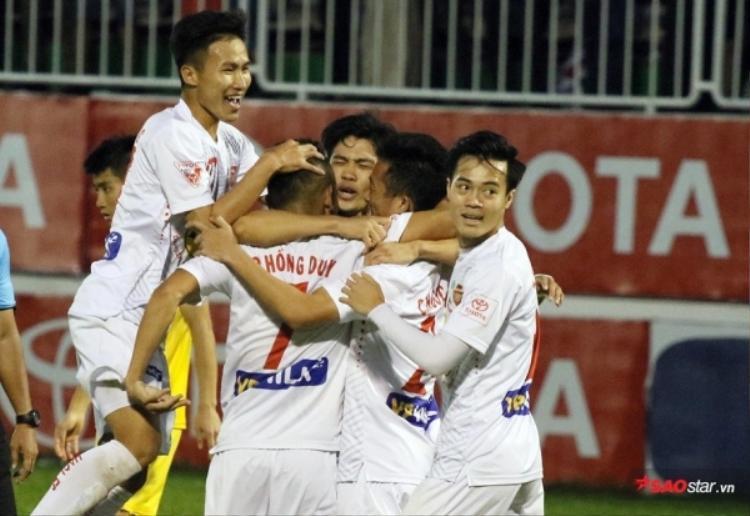 HAGL bất ngờ đại thắng Quảng Ninh với tỷ số 5-0.