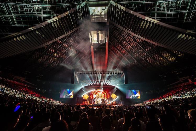 35,000 vé cho đêm diễn tại Seoul được tẩu tán trong vỏn vẹn… 10 phút đồng hồ, thiết lập kỉ lục cho Katy Perry tại Hàn Quốc.
