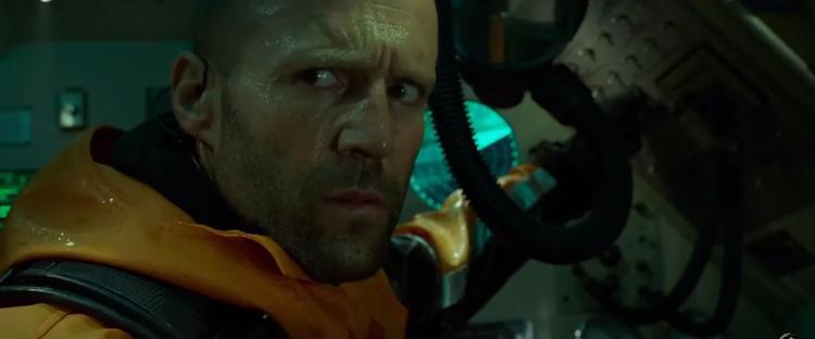 Jason Statham ra biển tiêu diệt cá mập khổng lồ Megalodon cùng Lý Băng Băng trong trailer The Meg