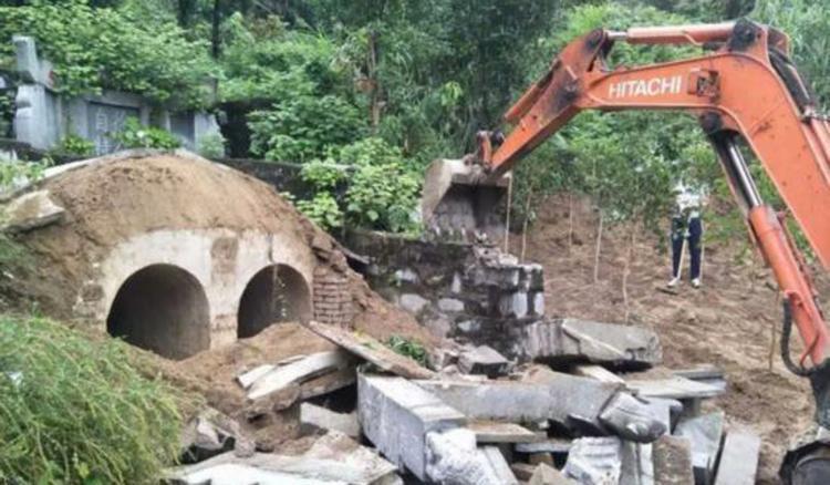 Những phần mộ xây dựng rất công phu. Ảnh: SCMP