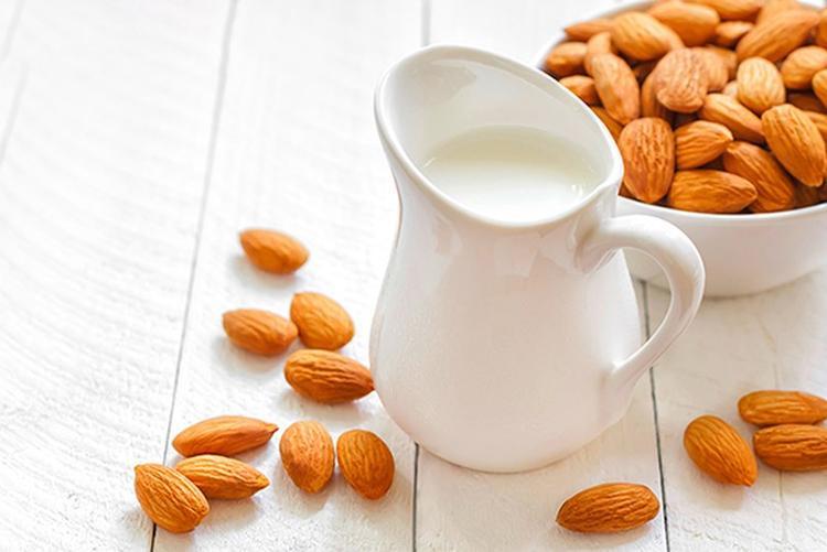 Đẹp dáng sáng da với công thức sữa hạnh nhân hương vani cực dễ làm chỉ 34 nghìn đồng