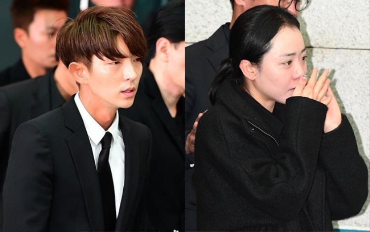 Lee Jun Ki - Moon Geun Young khóc hết nước mắt trong buổi sáng ngày đưa tang.