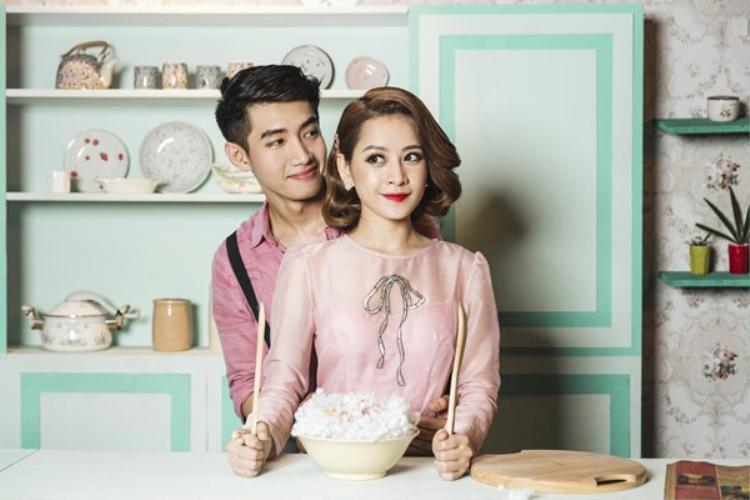 Không ai khác, Chi Pu là người đã từng mặc chiếc đầm màu hồng phớt này trước đó.