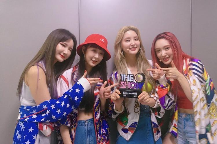 EXID giành cúp The Show ngày 10/4.