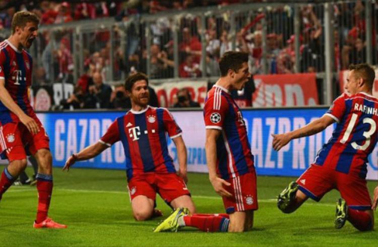 Bayern Munich vs Porto (Tứ kết Champions League 2014/15). Porto đã thi đấu rất thăng hoa ở trận lượt đi khi đánh bại Bayern Munich với tỷ số 3-1, nhưng ở trận lượt về họ lại ngậm ngùi đón nhận thất bại không tưởng. Lần lượt là Thiago (14'), Jerome Boateng (22'), Robert Lewandowski (27′, 40′), Thomas Muller (36'), Xabi Alonso (88') đã ghi bàn giúp Bayern giành chiến thắng với tỷ số 6-1 để giành vé vào chơi ở vòng bán kết.