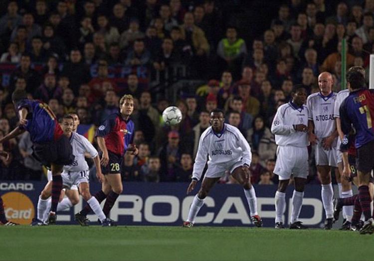Barcelona vs Chelsea (Tứ kết Champions League 1999/2000). Sau khi thảm bại 1-3 tại trận lượt đi trên đất Anh, Barca đã tỏ ra rất quyết tâm trong trận lượt về. Tiếp đón Chelsea trên thánh địa Nou Camp, Luis Figo cùng các đồng đội đã thi đấu cực kỳ thăng hoa khi giành chiến thắng với tỷ số 5-1. Qua đó, giành quyền vào bán kết với tổng tỷ số sau 2 lượt trận là 6-4. Rivaldo (24', 99' pen), Luis Figo (45'), Dani Garcia (83') và Patrick Kluivert (104') là những cái tên đã lập công cho đội chủ nhà ở trận lượt về.