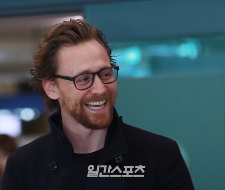 Nụ cười của nam diễn viên đóng vai Loki luôn làm say lòng người đối diện.
