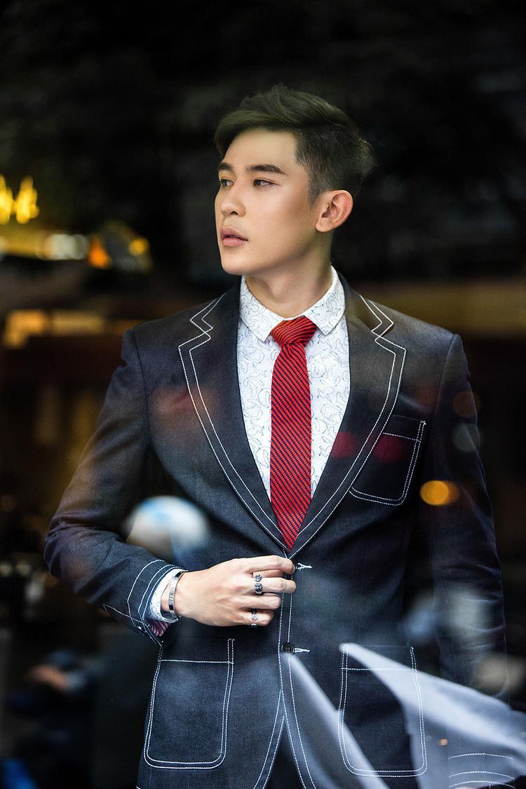Siêu mẫu Ngọc Tình đề cử Minh Trung tham dự Nam vương quốc tế 2018
