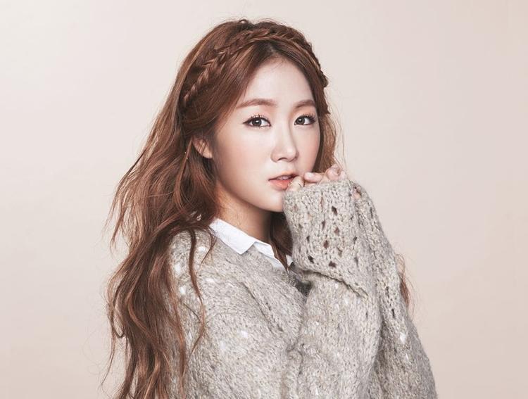 Cùng vị trí huấn luyện viên thanh nhạc với Lee Hong Ki là cô nàng Soyou. Đây sẽ là một cơ hội tốt cho Soyou thể hiện kĩ thuật của mình bởi khi hoạt động cùng SISTAR, cô luôn bị giọng hát của Hyorin làm mờ nhạc.