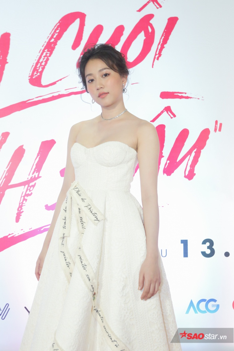Huỳnh Hồng Loan.