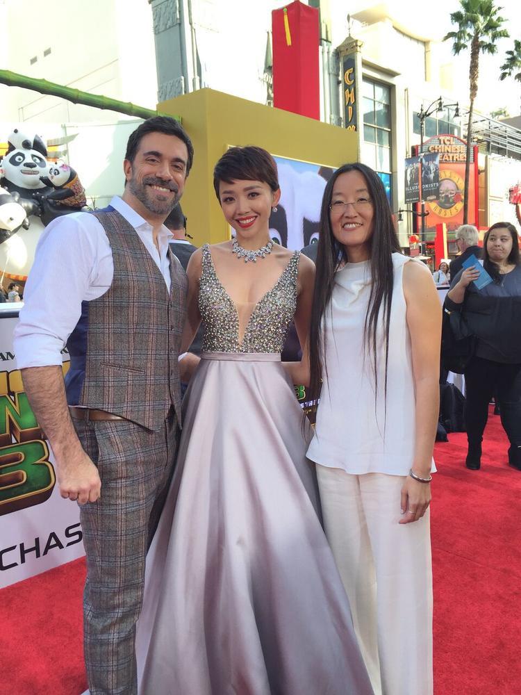 Chỉ có Tóc Tiên là nghệ sĩ hiếm hoi được đồng hành thảm đỏ trong họp báo Kungfu Panda 3 vào năm 2016 tại Los Angeles.