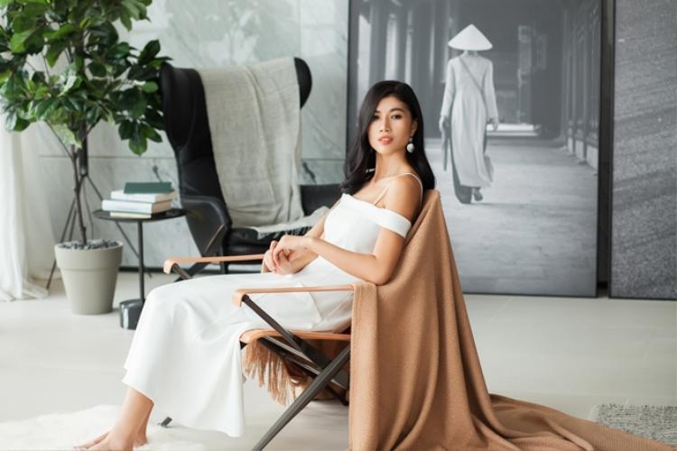 Khám phá tổ ấm bình yên của vợ chồng Trang Lạ bên trong căn Penthouse triệu đô