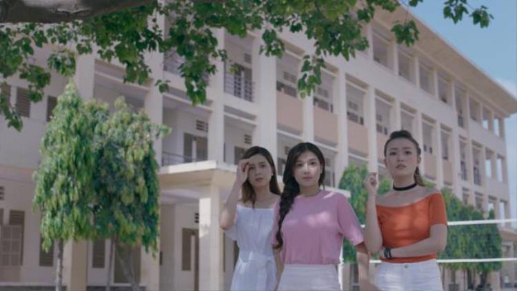 Tạo hình 3 Em gái nắng trong MV.