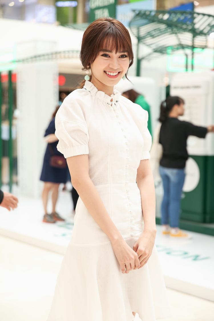 Ninh Dương Lan Ngọc với nụ cười tươi tắn luôn xuất hiện trên môi.