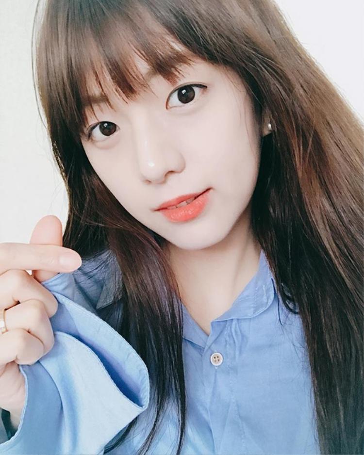 Với gương mặt xinh như hot girl và chiều cao 1m7 thì quả thực chị gái Jisoo cũng là một mỹ nhân ở Hàn Quốc