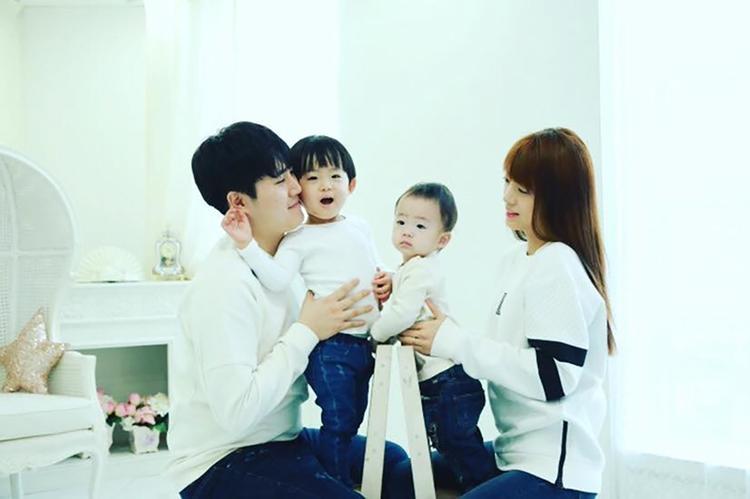 Được biết, chị gái Jisoo đã có gia đình và hiện đang hạnh phúc bên mái ấm của mình.