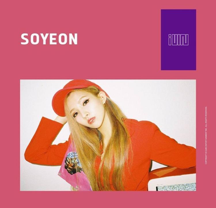"""Jeon Soyeon được xem như át chủ bài của I-DLE vì vốn dĩ sự nổi tiếng của cô sẽ gây chú ý cho nhóm dù chưa debut. Nhưng đây cũng có thể là con dao 2 lưỡi khiến girlgroup mới này trở thành nhóm nhạc """"Soyeon và những người bạn"""" như các nhóm nhạc có thành viên tham gia Produce 101 đã lâm vào."""