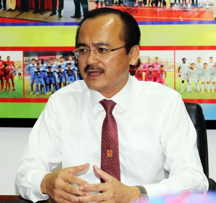 Bầu Thắng luôn xác định làm bóng đá phải vì người hâm mộ.
