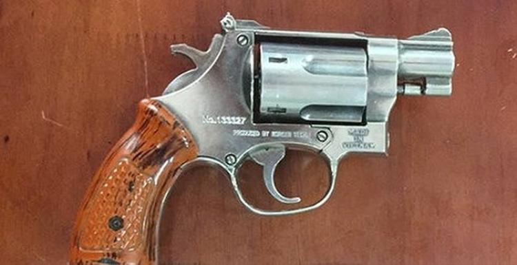 Khẩu súng mà ông Năm dùng để đe dọa chị Hằng. Ảnh: Dân Việt