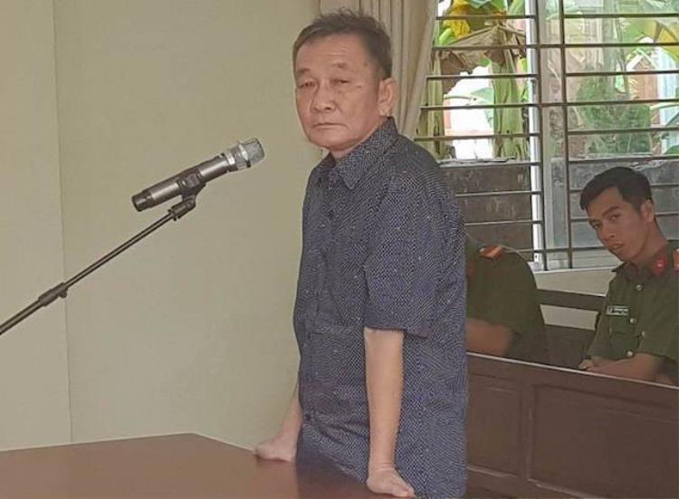 Đại gia nhiều hãng nước đá miền Tây Nguyễn Hoàng Năm tại tòa. Ảnh: Zing