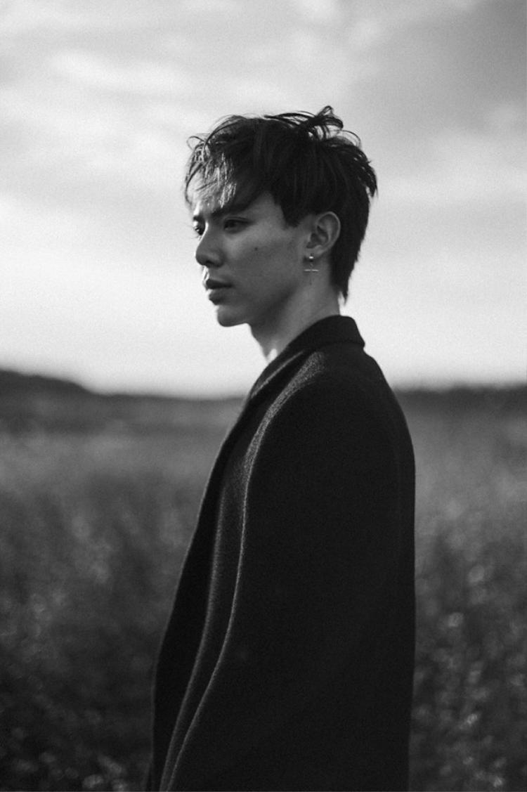 Tranh cãi bài mới Erik: Người mê đắm đuối, kẻ nằng nặc đòi bỏ phần lời tiếng Hàn