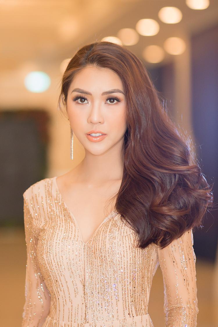 Người đẹp luôn nằm trong top các sao Việt mặc đẹp nhờ phong cách thời trang hiện đại, cập nhật xu hướng và tạo điểm nhấn ấn tượng mỗi lần xuất hiện.