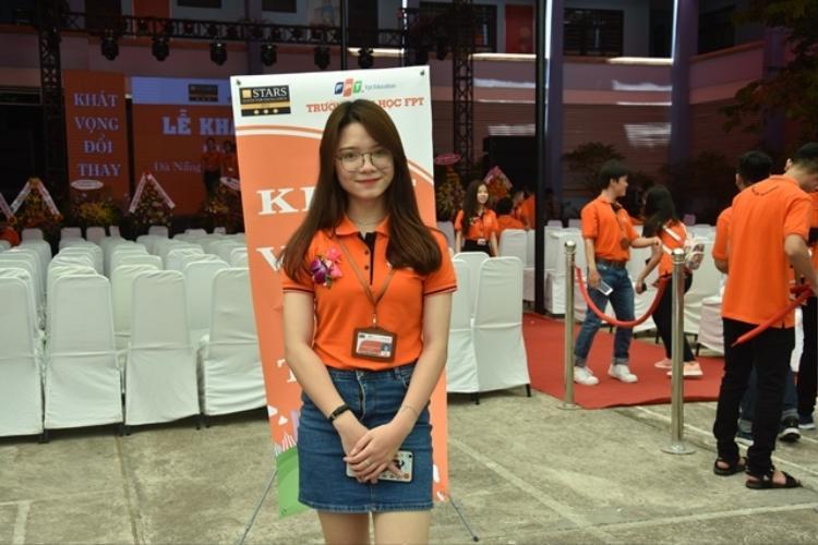 Tăng Nguyễn Ngọc Vi đang là nữ sinh trường ĐH FPT Đà Nẵng