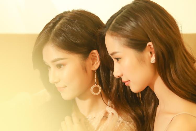 """Ngoài đời, """"Hiểu Phương"""" và """"Tuyết Anh"""" không chỉ thu hút bởi nhan sắc xinh đẹp mà còn khiến fan yêu mến bởi sự thân thiện, dễ thương."""