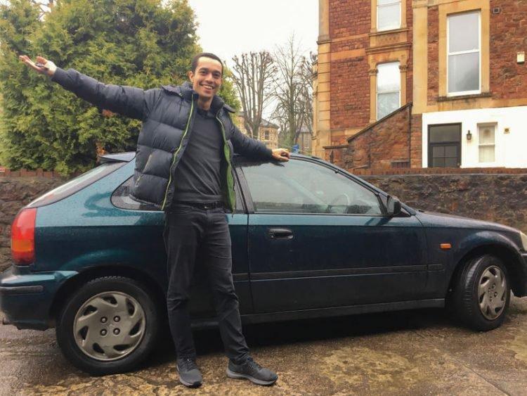 Tom và chiếc xe. Ảnh: Tom Church