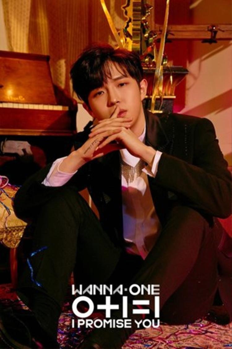 Giọng ca chính Wanna One - Jaehwan cũng tiến lên hạng 9.