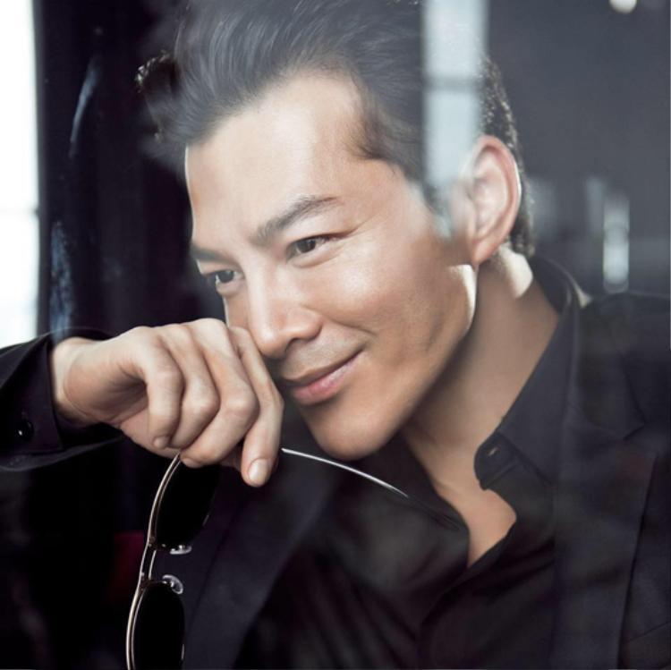 Trần Bảo Sơn ở tuổi 45 vẫn cực kỳ phong độ.