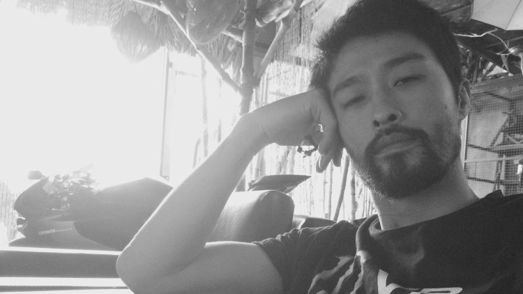 """Không còn nhận ra """"soái ca"""" Johnny Trí Nguyễn ngày nào."""