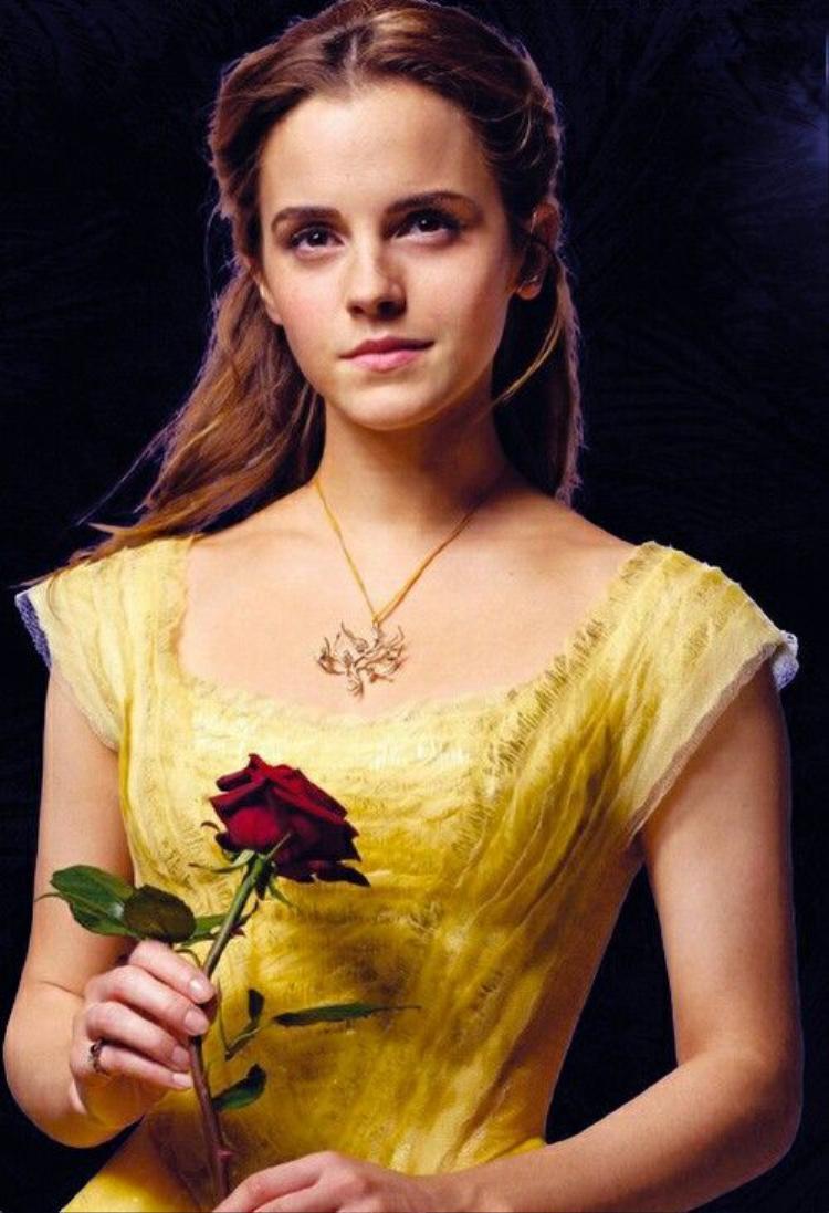 Emma Watson: Xinh đẹp là thế vẫn không thoát cảnh làm em gái mưa