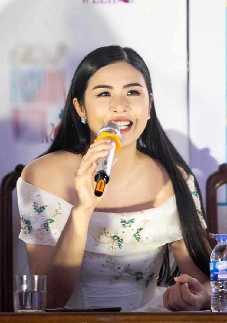 Hoa hậu Ngọc Hân: Sau này có con, tôi không thích cháu tham gia showbiz quá sớm
