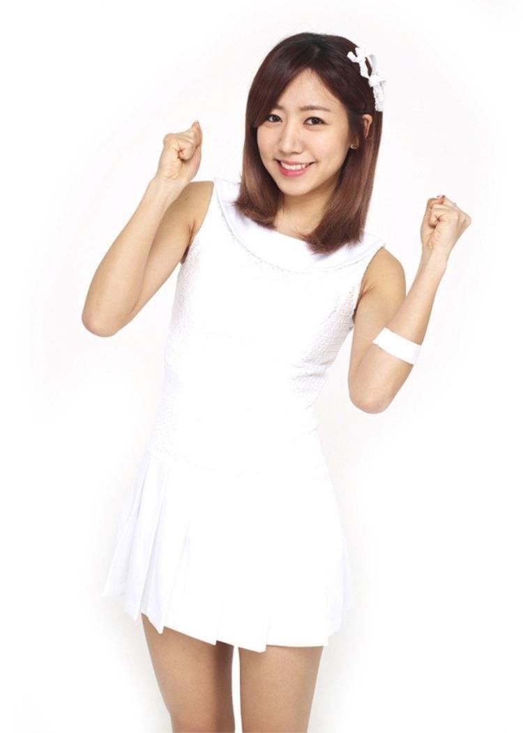Debut cùng Apink vào năm 2011 với bài hát I Don't Know, Namjoo đã là cô công chúa đáng yêu thế này.