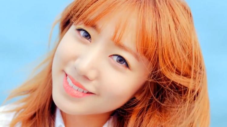 Màu tóc thay đổi cũng khiến Namjoo thêm phần tỏa sáng.