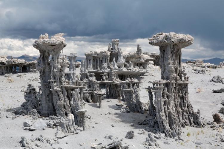Những lâu đài cát đích thực tại bang California, Mỹ. Ảnh: Nationalgeographic