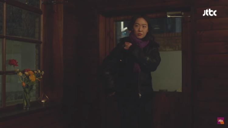 Tập 6 Chị đẹp: Ghen tỵ với nụ hôn ngọt lịm của Son Ye Jin  Jung Hae In trên đồi tuyết trắng