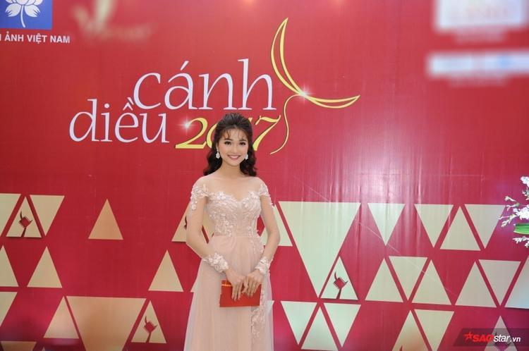 Ngọc Nữ - top 10 Hoa hậu Hoàn vũ Việt Nam 2017 cũng có mặt tại sự kiện.