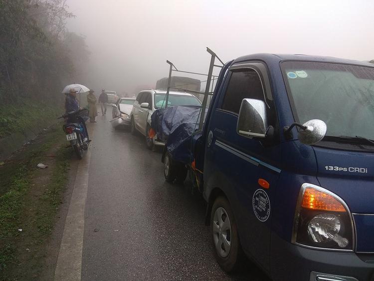 5 vụ tai nạn liên hoàn xảy ra liên tiếp trên quốc lộ, hơn 10 ô tô bị hư hỏng