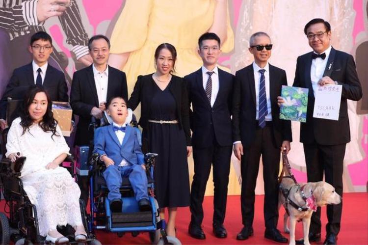 Thảm đỏ Kim Tượng 2018: Thái Trác Nghiên đọ sắc với Triệu Vy, Lưu Đức Hoa hội ngộ Cổ Thiên Lạc
