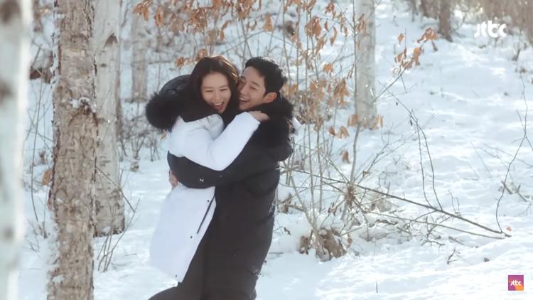Mệt mỏi với gần 50 cảnh ôm  hôn của Son Ye Jin và Jung Hae In trong Chị đẹp mua cơm ngon cho tôi