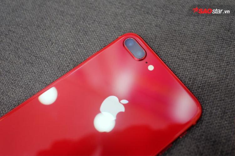 Lượng máy dồi dào nhưng cầu thị trường không lớn khiến iPhone 8 và 8 Plus đỏ không tạo ra cơn sốt như dự đoán trước đó.