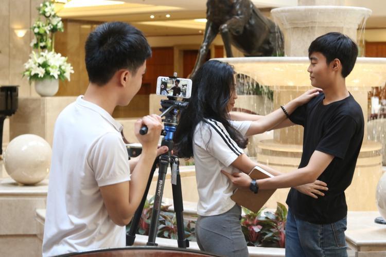Khán giả trẻ phát cuồng khi được thử nghiệm làm phim